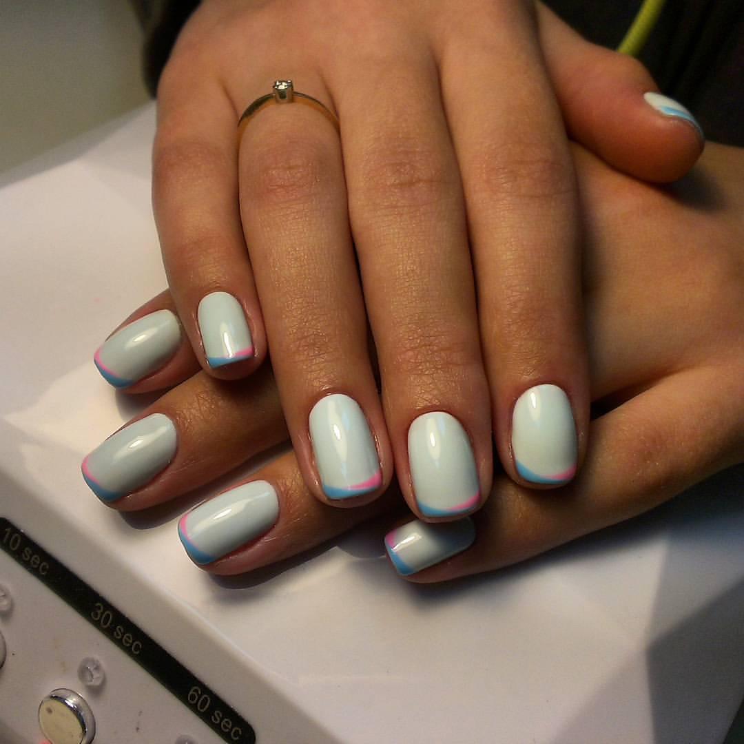 Маникюр двухцветный на одном ногте фото