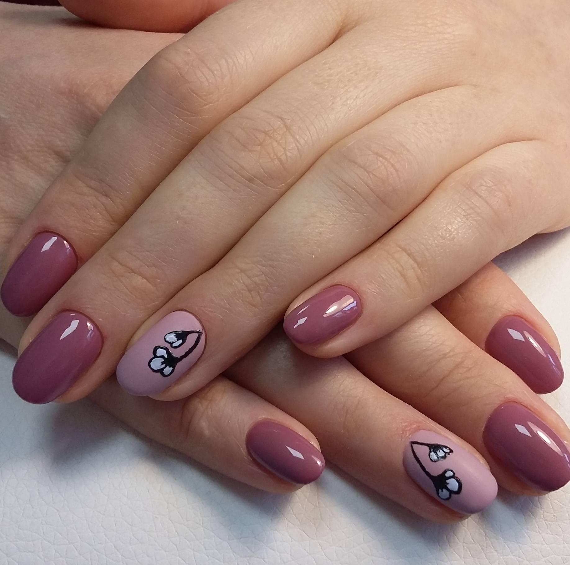 Нейтральный маникюр с розовый тонах