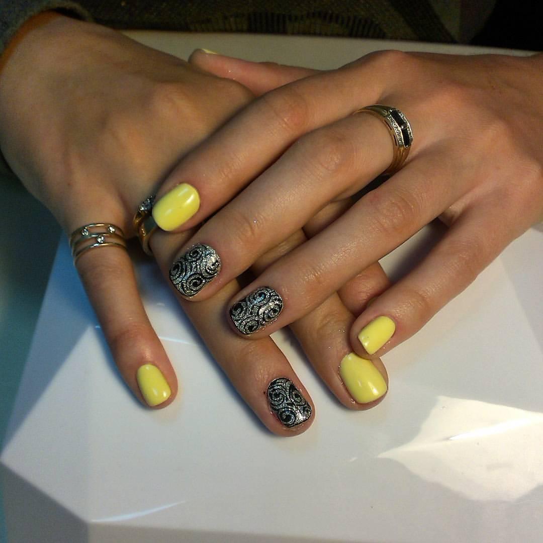 Серебристые узоры с жёлтым шеллаком