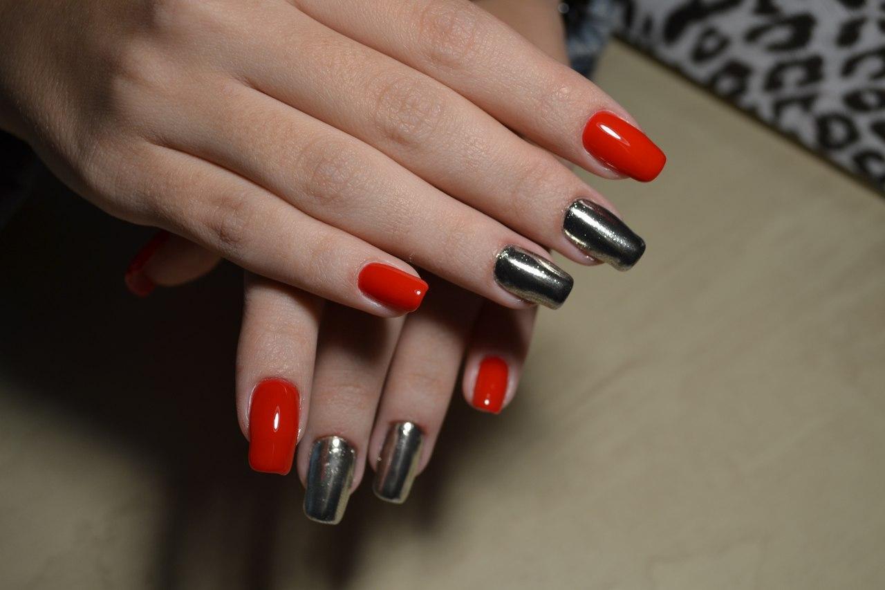 Серебряные ногти с втиркой