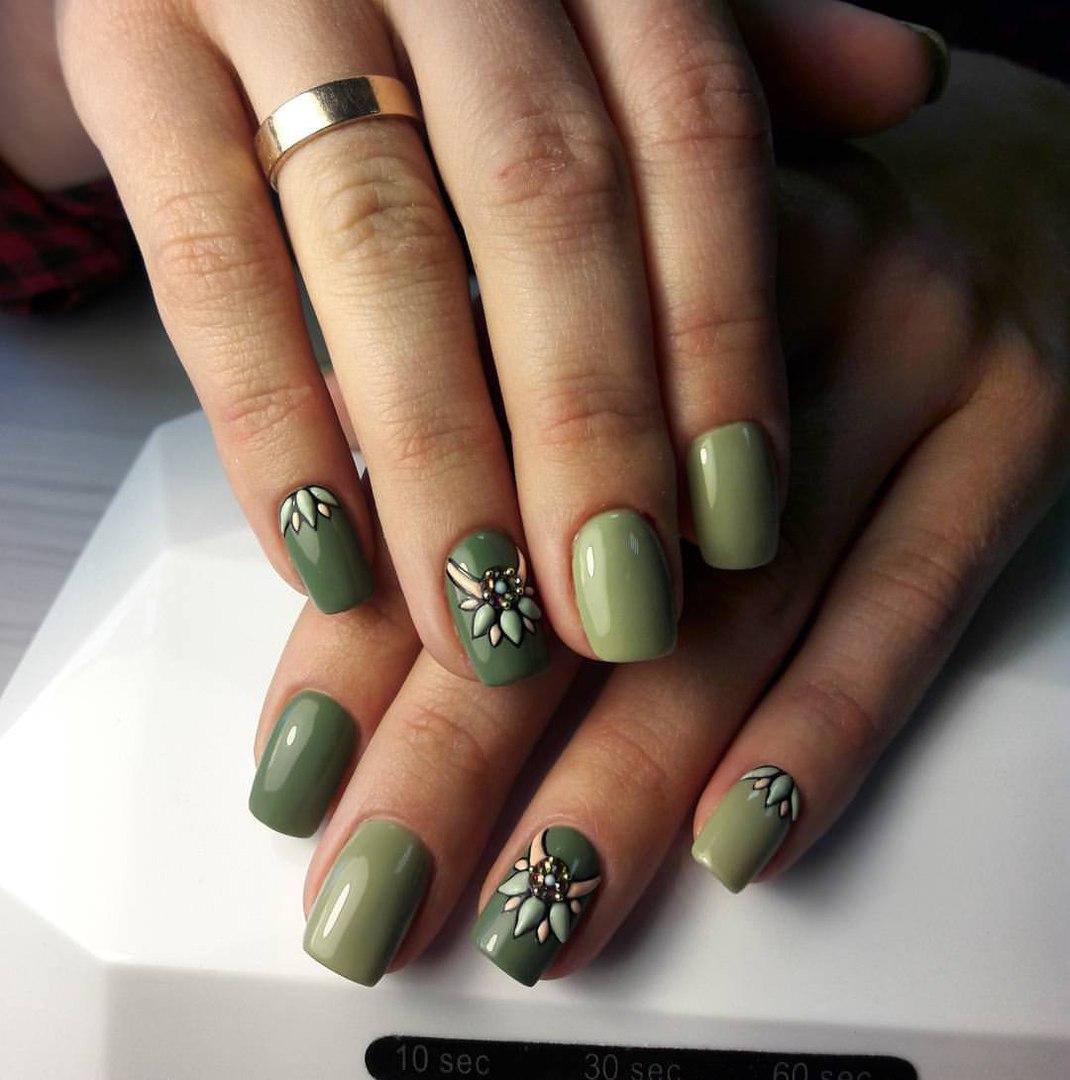 Хаки цвет ногти
