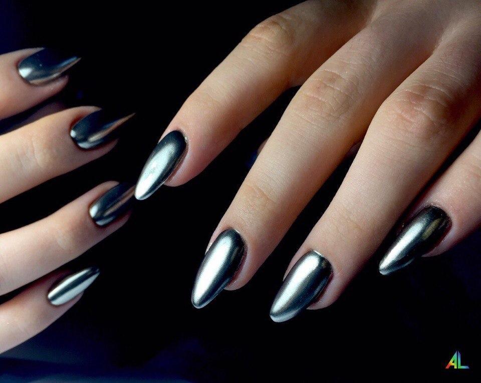 Серебренная втирка на длинные ногти