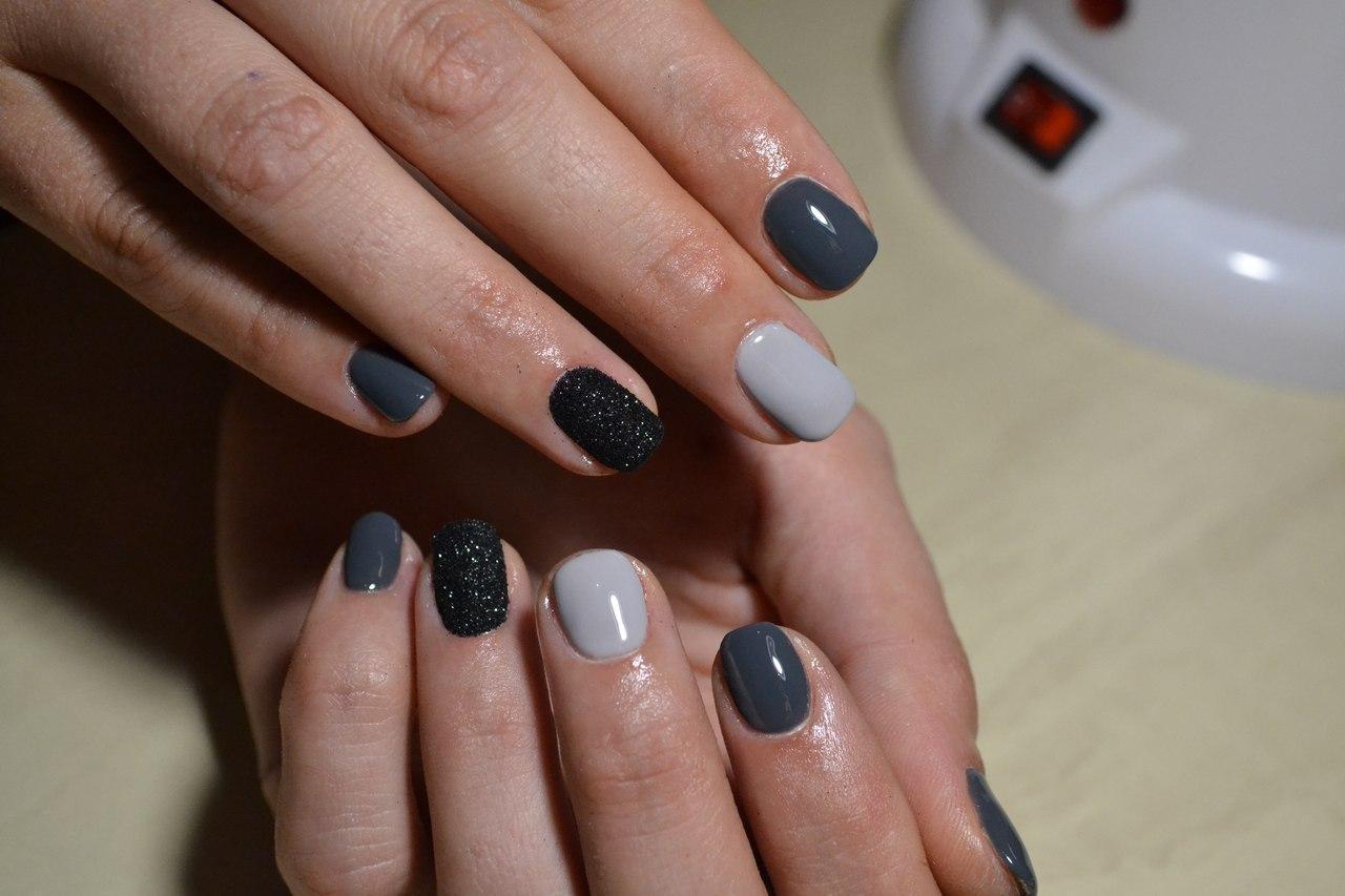 Сахарные чёрные ногти — маникюр на зиму