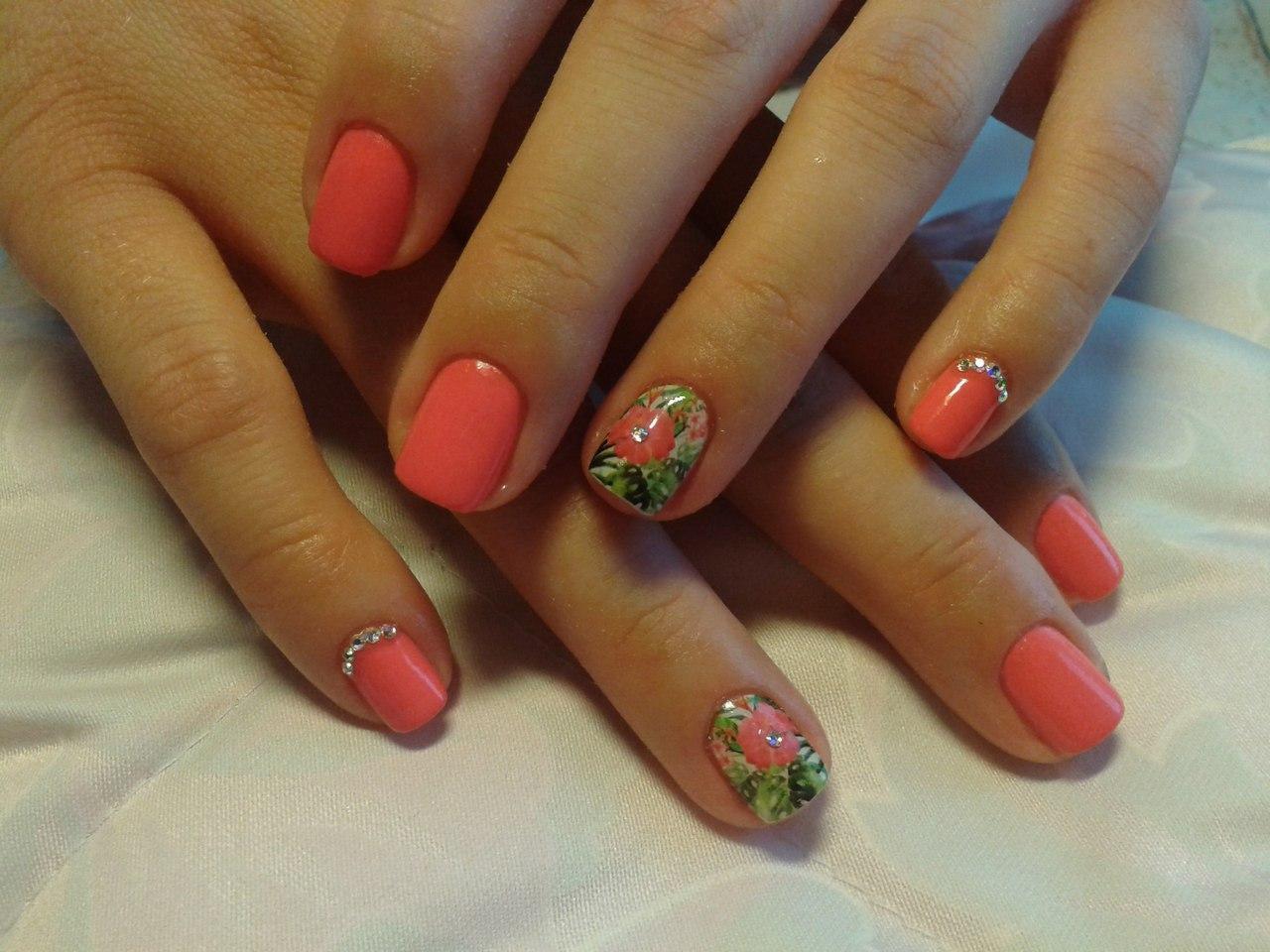 Весна в душе — цветы на ногтях