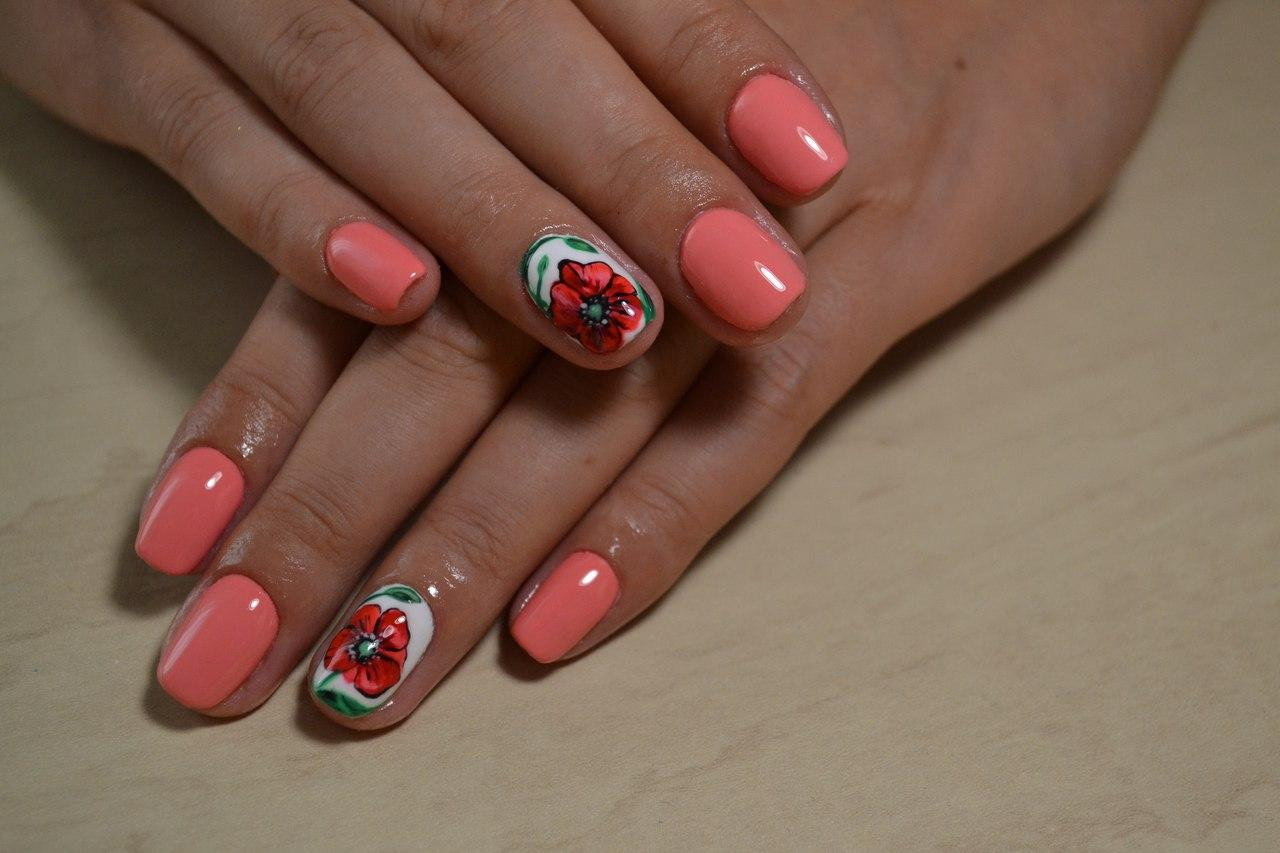 Великолепный цветок на ногтях