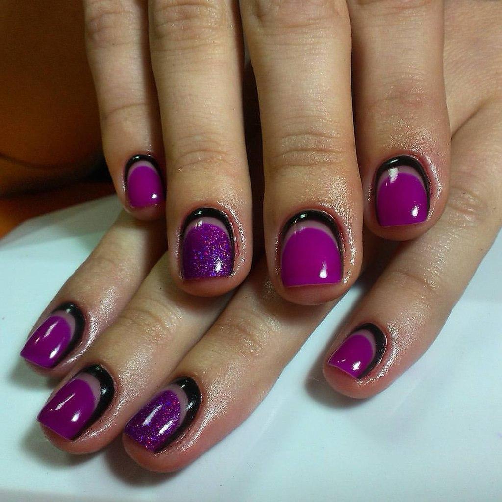 Фиолетово-чёрные лунные ногтики