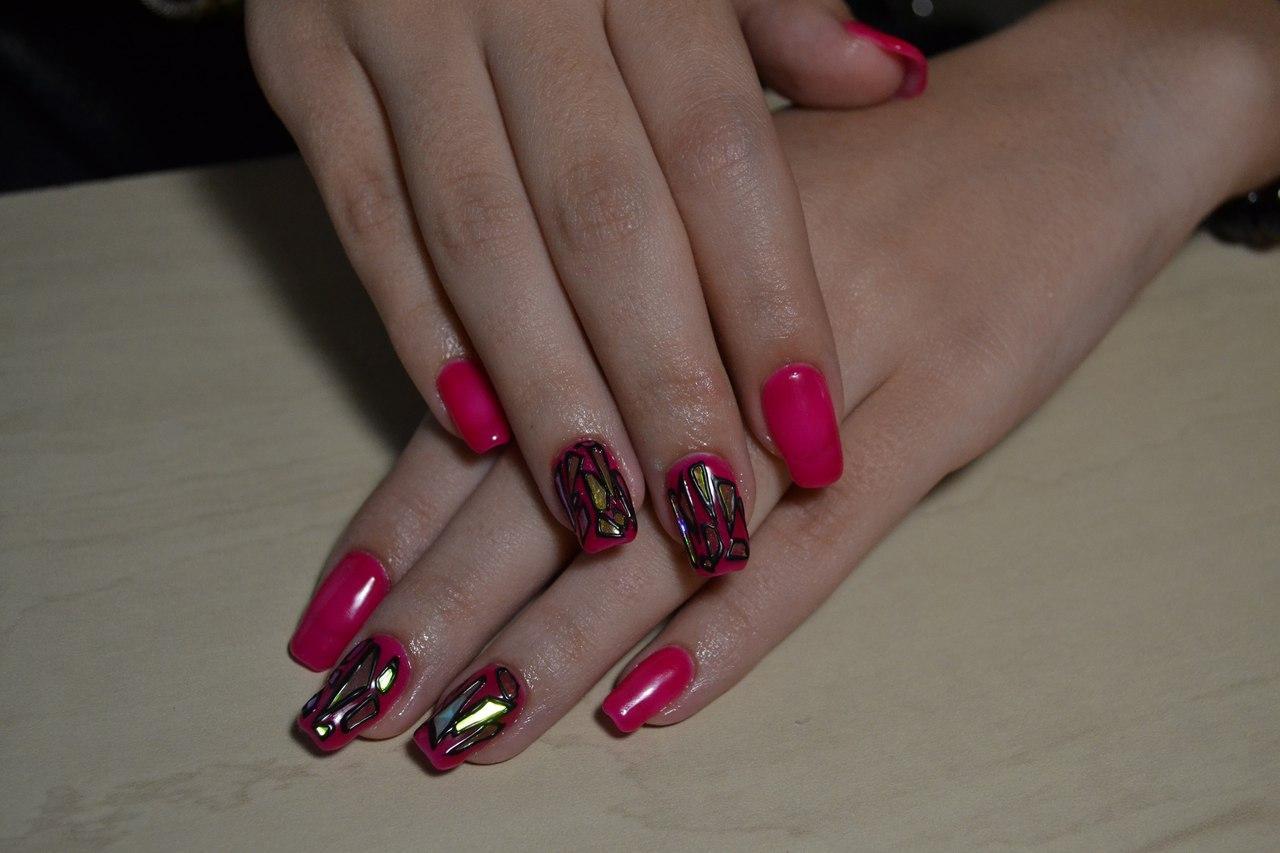 Битое стекло на розовом шеллаке