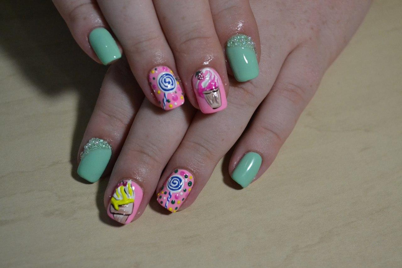 Сладости на ногтях