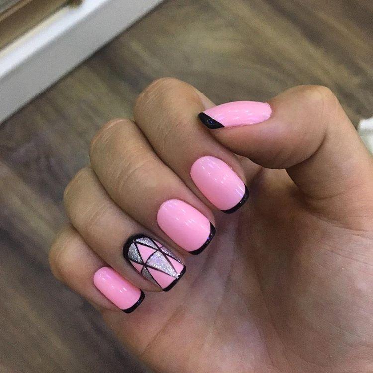 Ногти чёрный с бледно розовым