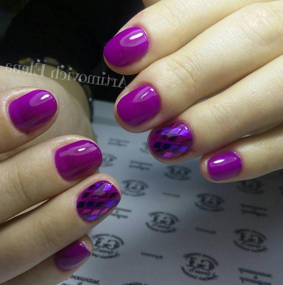 Фиолетовый маникюр с ромбами камифубуки