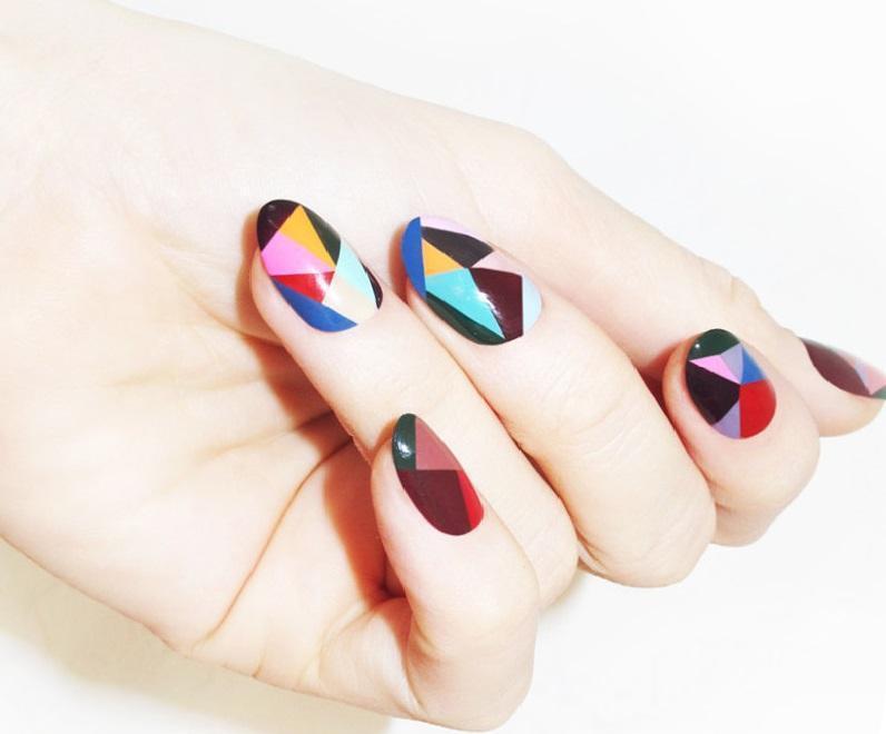 Цветная геометрия для красивых ногтей