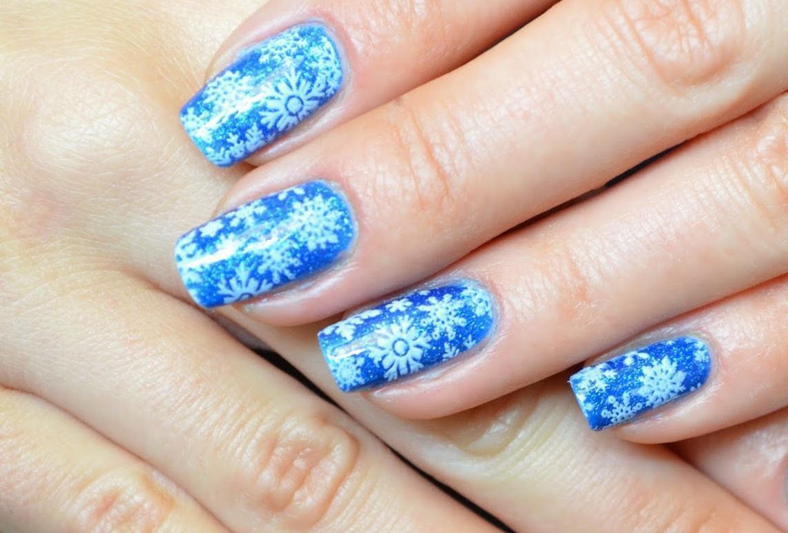 Слайдер-снежинки для зимнего голубого нейла