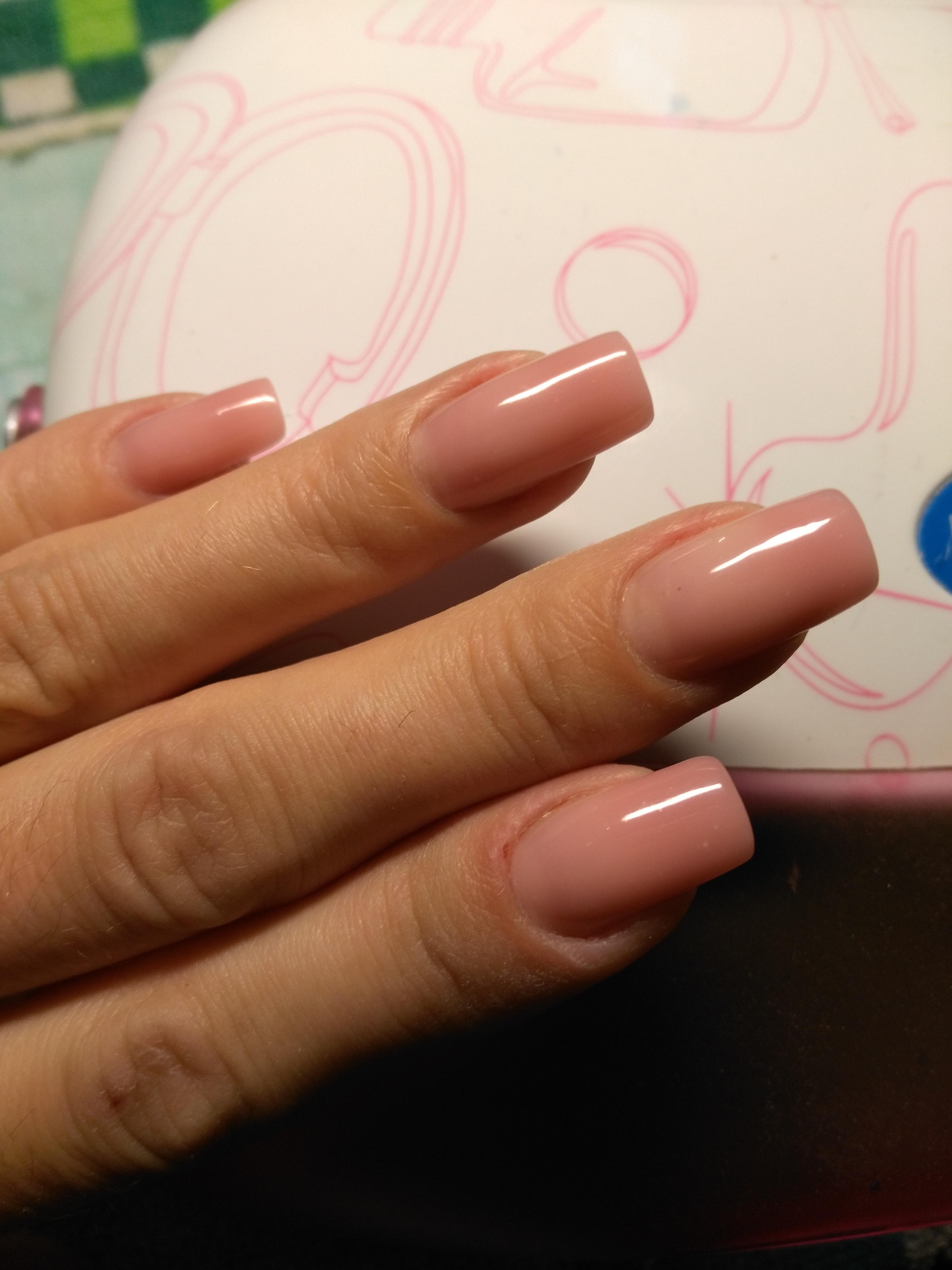 Перед дизайном — розовый маникюр на длинные ногти