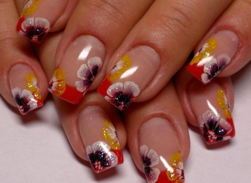 Нежные фиалки для лета на длинных ногтях