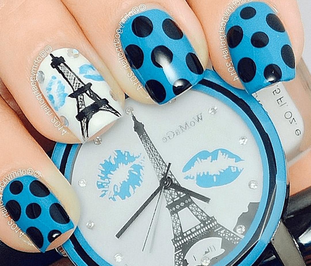 Яркий голубой маникюр для мечтающих о Париже