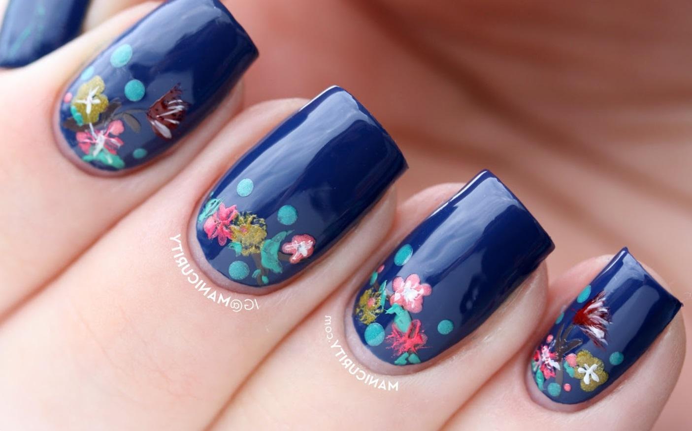 Весенняя роспись на синих ногтях