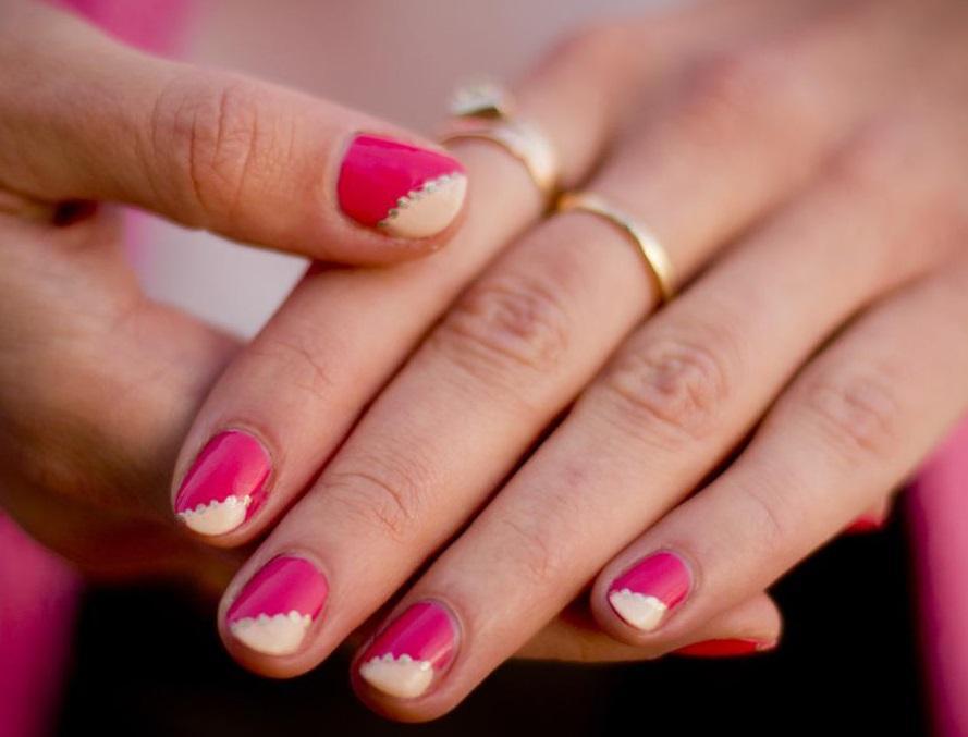 Розовый маникюр в двух цветах
