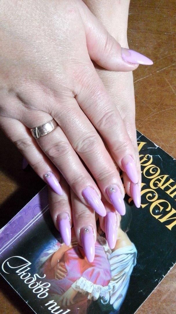 Длинные ногти в нежном розовом цвете