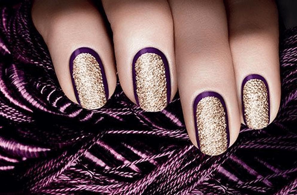 Нарядный золотисто-фиолетовый маникюр