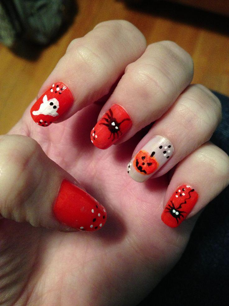 Ногти на Хэллоуин с привидением