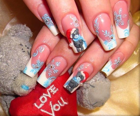 Мишка Тедди на длинных ногтях