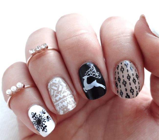 Восхитительные новогодние ногти с оленем