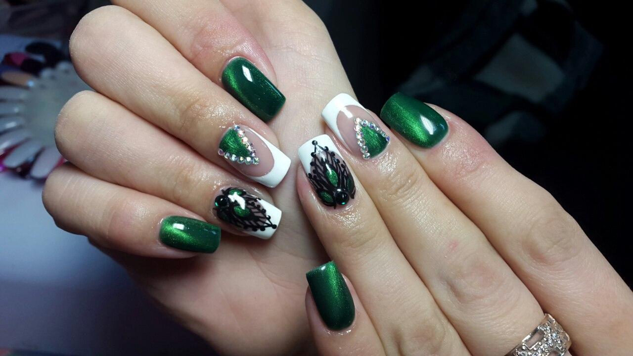 Маникюр шеллак в зеленом цвете