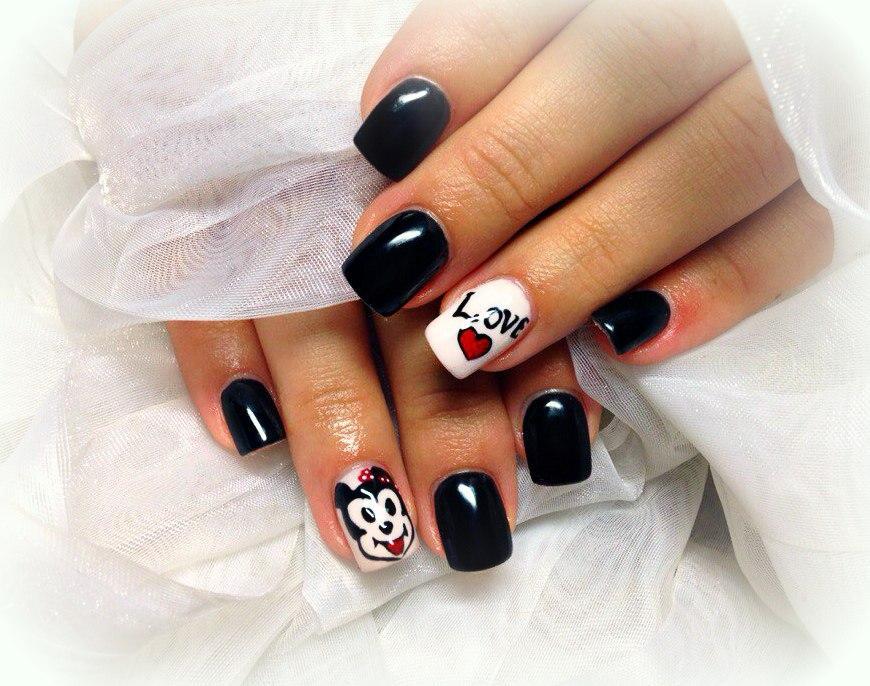 Веселые праздничные ногти на день Влюбленных