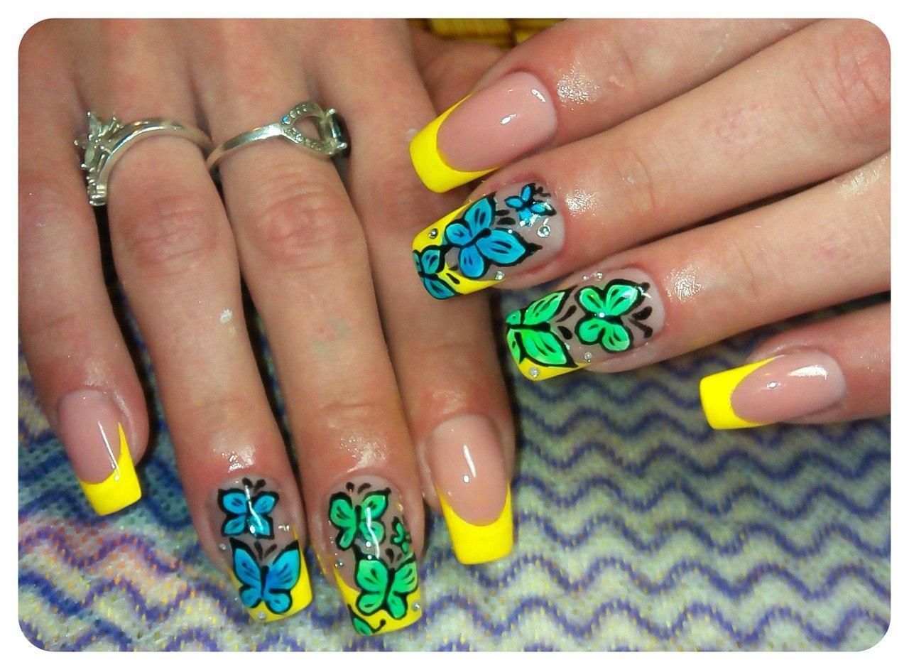 Ногти с бабочкой фото