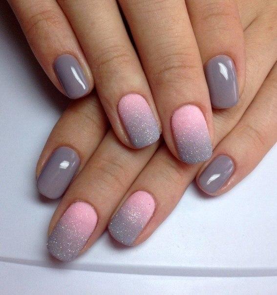 Ногти розовые с серым