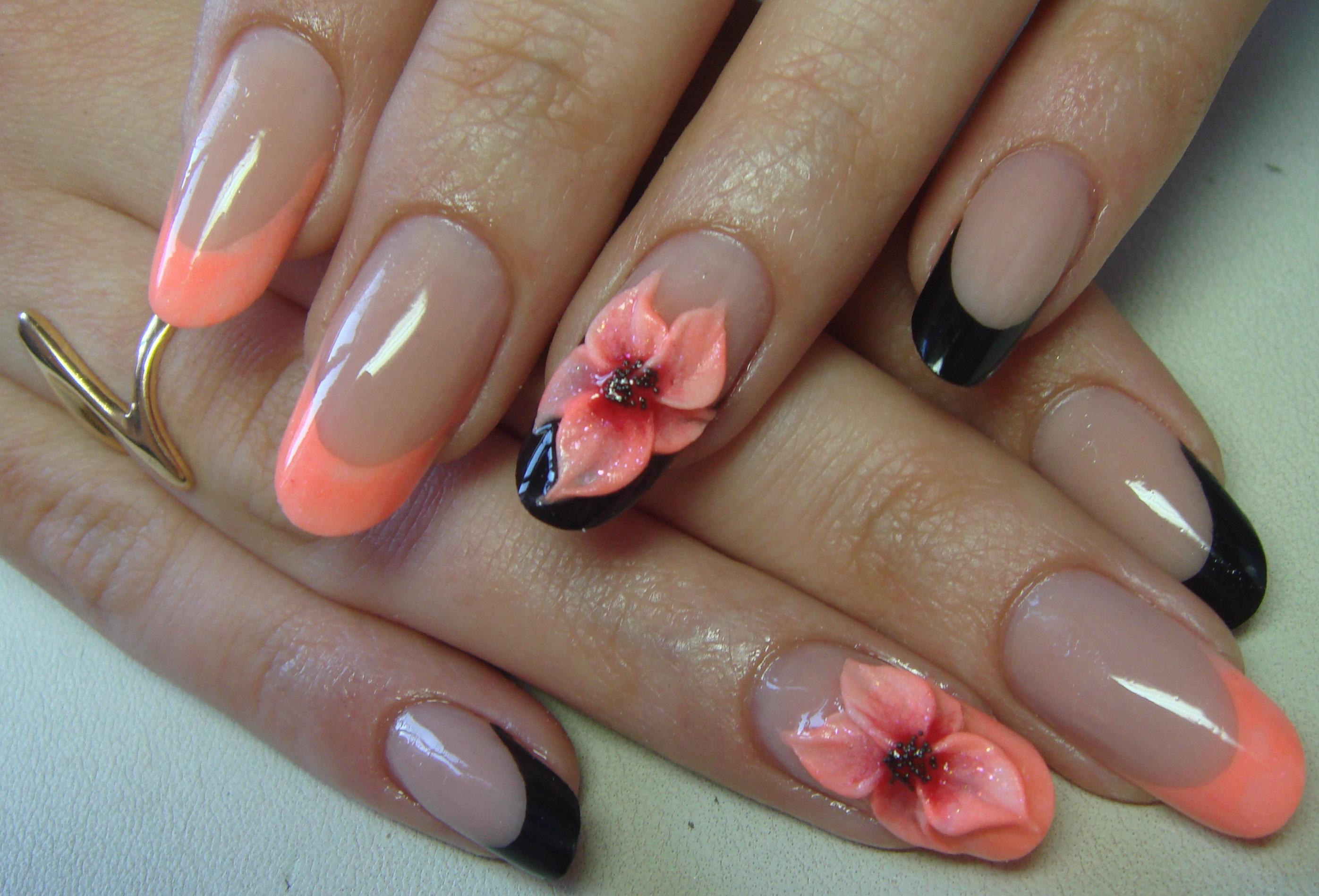 Черный френч и лепка на длинных ногтях