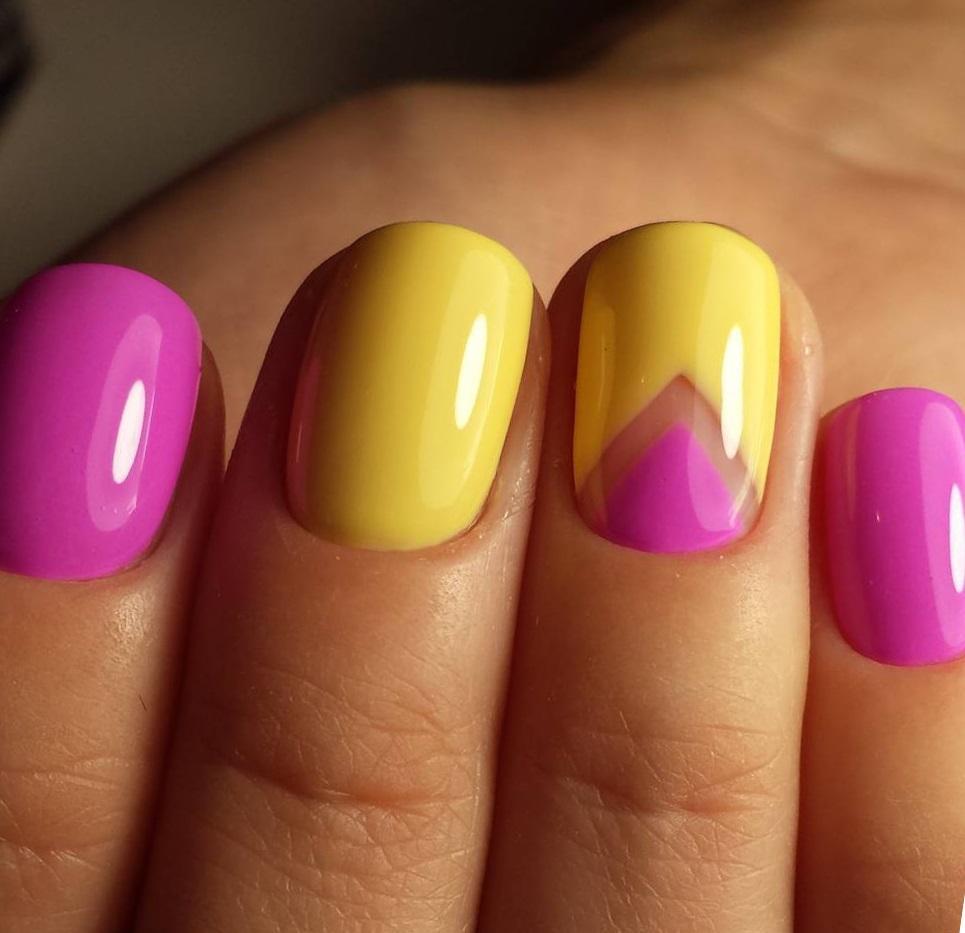 Розовый с желтым — солнечный маникюр