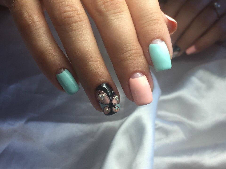 Лунный френч на квадратные ногти