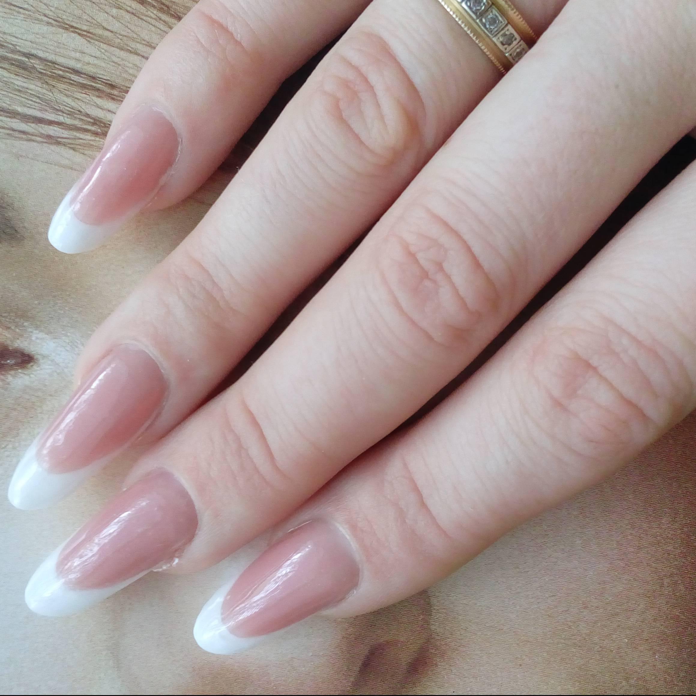 Длинные ногти с френчем