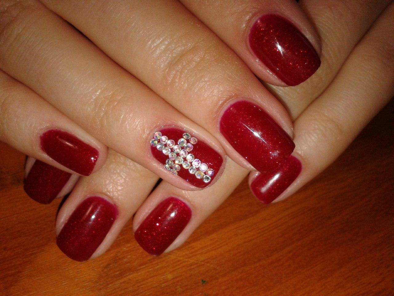 дизайн ногтей с красным лаком и стразами - Тюменский ...