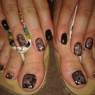 Художественная роспись на пальчиках рук и ног