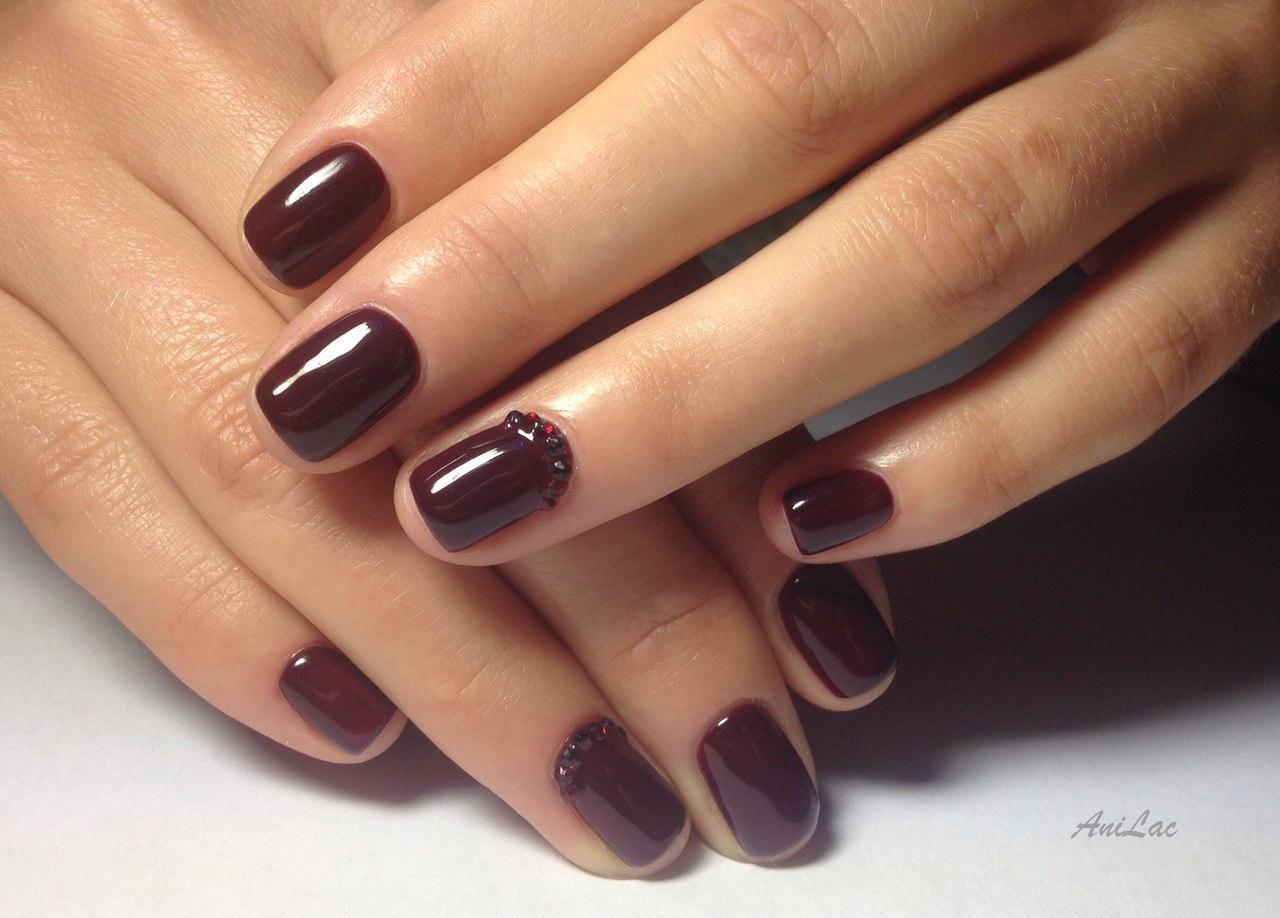 Шеллак бордовый на короткие ногти дизайн
