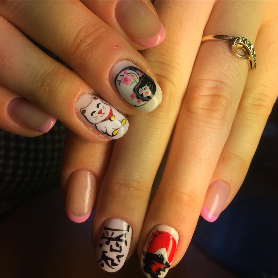 Японский маникюр на средних ногтях