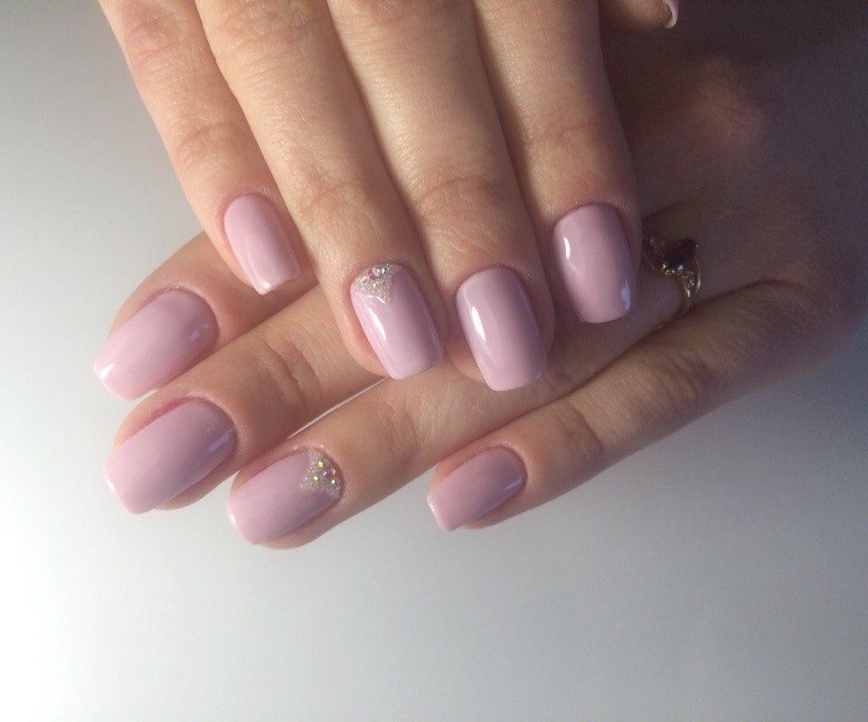 Нежно-розовый гель-лак с бульонками