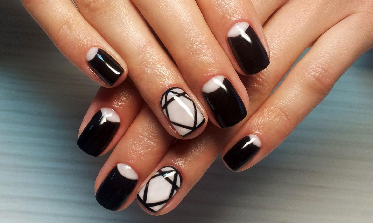 Ногти черные с белым шикарные