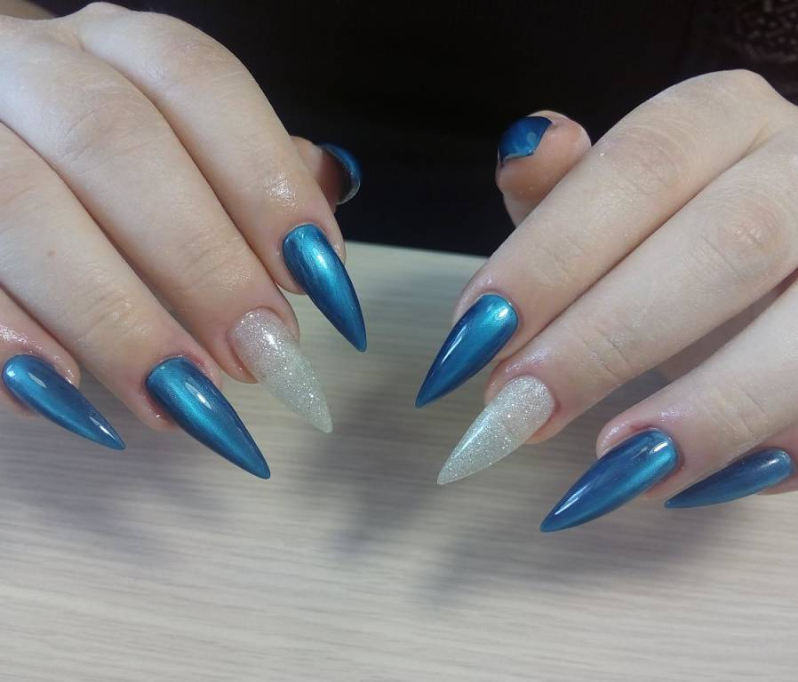Зимняя втирка для острых длинных ногтей