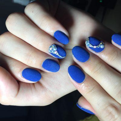 Роскошный бархат синего лака