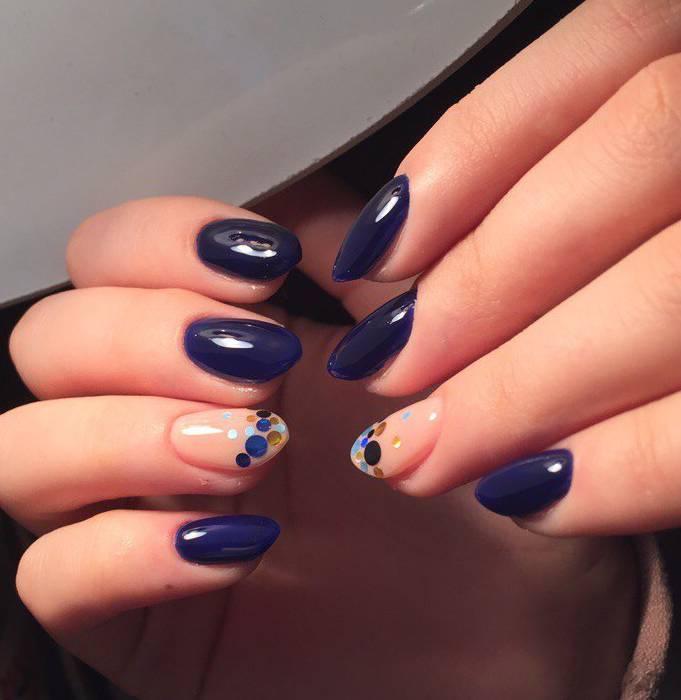 Синий зимний маникюр с камифубуки