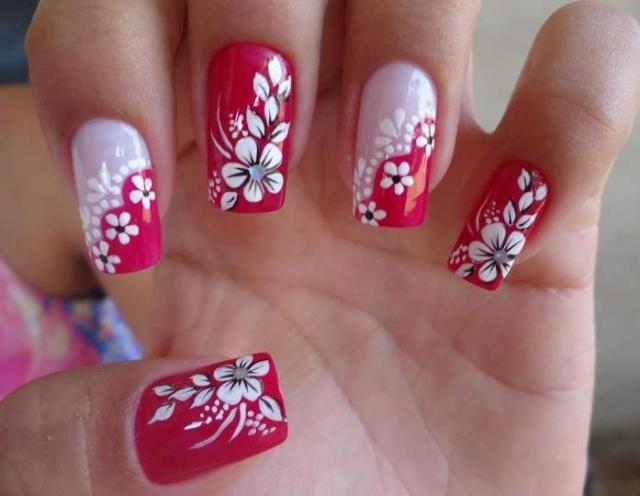 Весенний маникюр с цветами