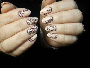 Ногти с завитушками