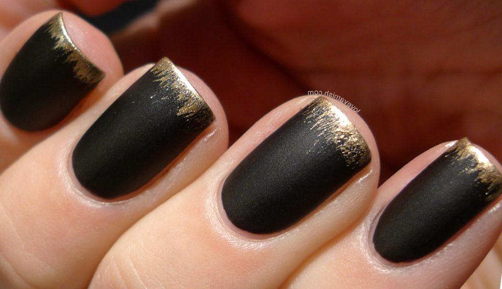 А вам нравятся черные ногти?