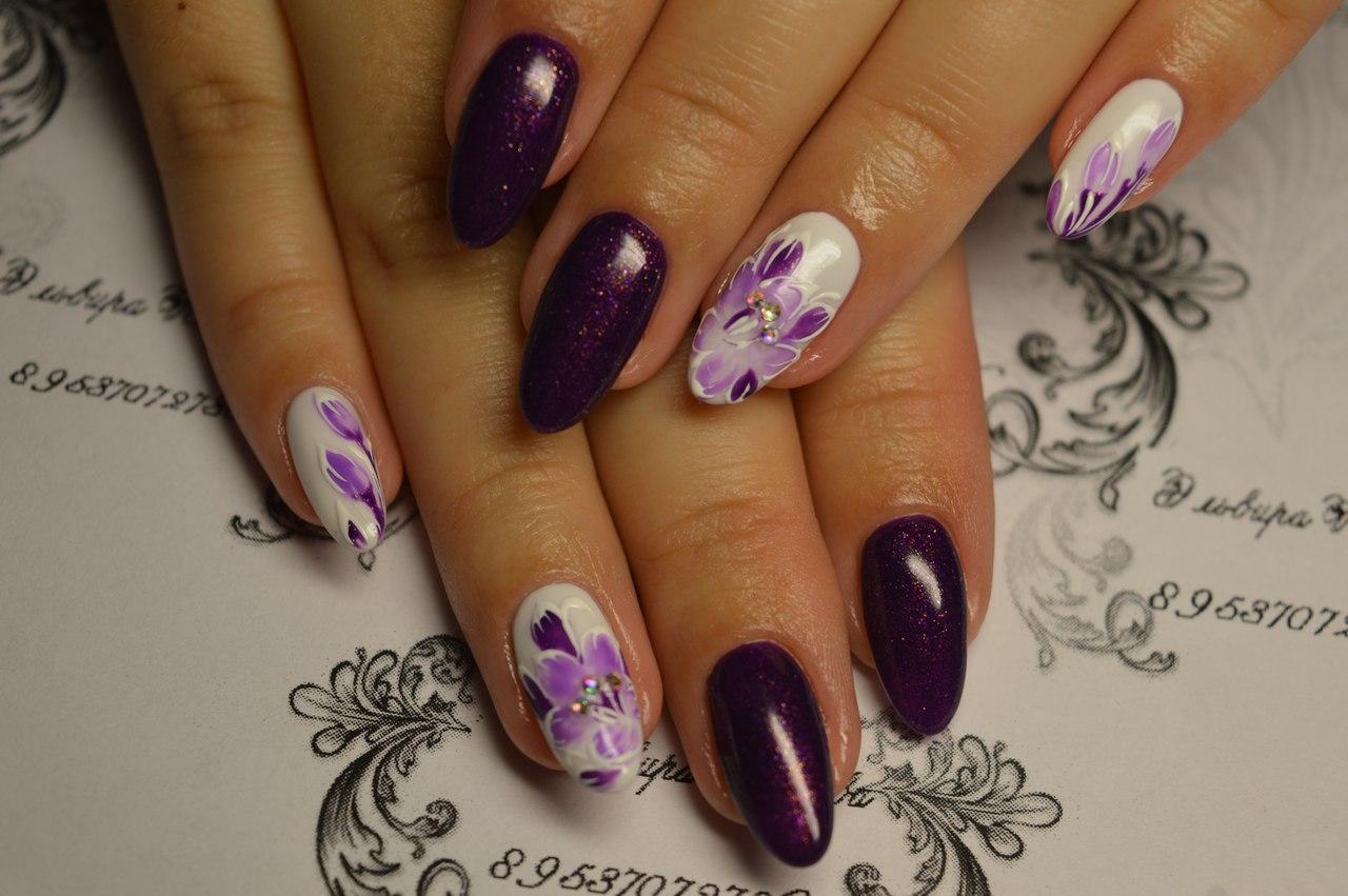 Фиолетовый маникюрчик