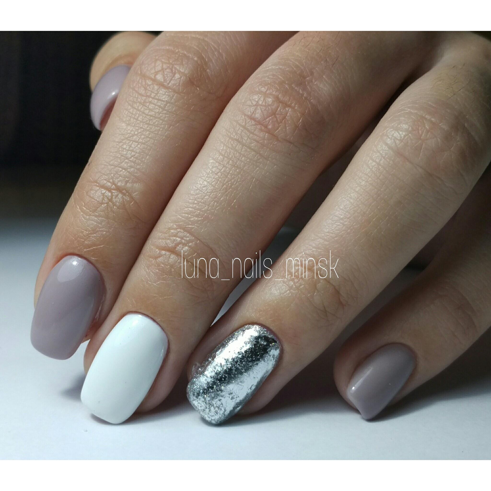 красивый дизайн ногтей трехцветный