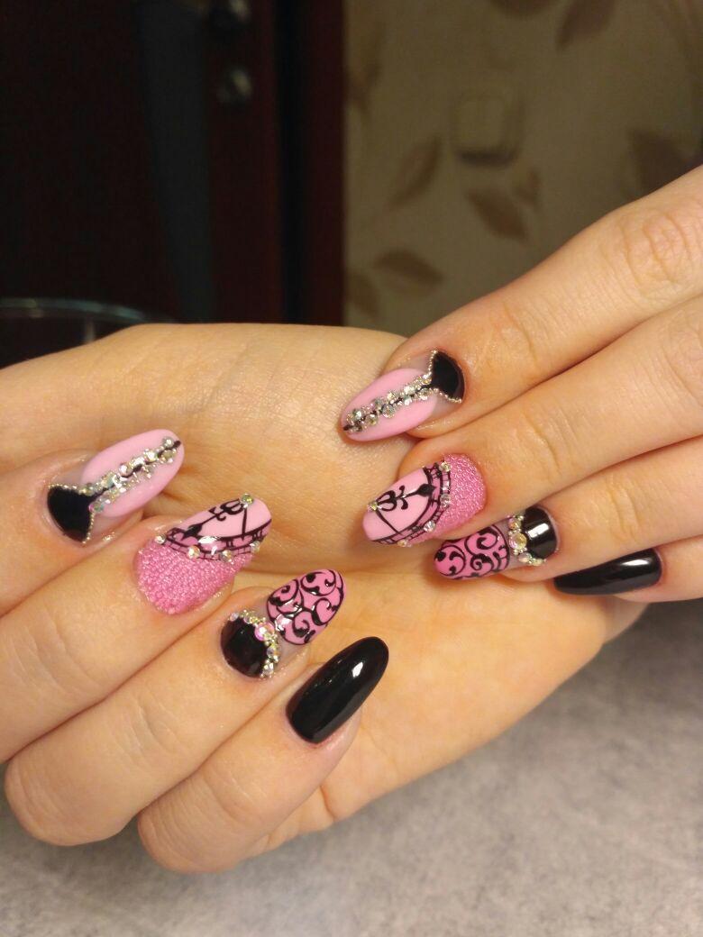 Черно-розовый маникюр для праздника