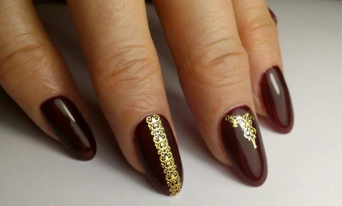 Стильный маникюр на овальные ногти